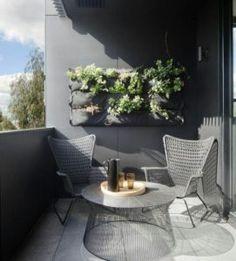 NÁPADY NA DEKORACI – 7 způsobů jak dotvořit balkonovou zeď.  Podívejte se na tyto nápady na dotvoření vaši balkonové zdi. Ukážeme vám že stačí pouhá zeleň, nebo netradiční barva a můžete se v prostoru cítit podle vašich představ...  #balkon #balcony #design #home #living