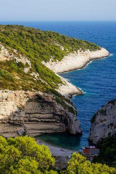 Inca o idee pentru la vara: Insula Vis, Croatia. De vis.