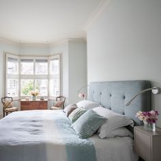 By reconfiguring their Edwardian terraced house, the owners have created a harmonious layout filled with colour, character and natural light Open Plan Kitchen Diner, Open Plan Kitchen Living Room, Terraced House, Bedroom Reading Lights, 25 Beautiful Homes, Victorian Terrace House, Mews House, Step Inside, Furniture Layout
