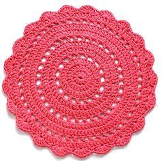 18 отметок «Нравится», 2 комментариев — Freckle & Stitch (@freckleandstitch) в Instagram: «That colour though 😍 More details on custom orders to come this week! 👀» Crochet Round, Crochet Granny, Crochet Doilies, Crochet Flowers, Handmade Crafts, Diy And Crafts, Crochet Tank Tops, Needle Tatting, Circle Rug