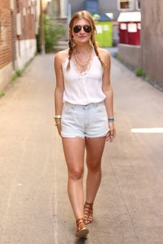 Check Out: www.audreymadstowe.com to see all about this boho look and my recap on my second day at Osheaga Music Festival