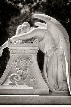 Sanford Angel - Angel at grave site for Leland Stanford Jr. on Stanford University campus by Mark Coggins I have always loved this weeping angel statue. Cemetery Angels, Cemetery Art, Cemetery Monuments, Statue Ange, Crying Angel, Lost My Job, Ange Demon, My Guardian Angel, Angels Among Us
