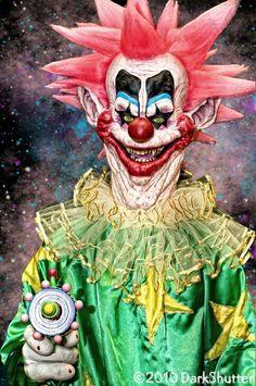 Killer Klowns from outer space Freaky Clowns, Evil Clowns, Creepy Dolls, Day Of Dead, Clown Horror, Arte Horror, Dark Fantasy Art, Royal Ballet, Evil Clown Tattoos