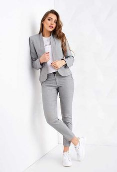 29 Latest Office & Work Outfits Ideas for Women 20 - corporate attire women Stylish Work Outfits, Winter Outfits For Work, Casual Winter Outfits, Work Casual, Stylish Office, Trajes Business Casual, Business Casual Outfits, Professional Outfits, Business Professional