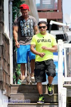 """Mike """"The Situation"""" and Pauly D leaving the shore house during Jersey Shore Season 6 filming"""