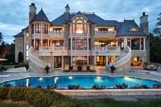 My dream house. Actually I love quite a few of them on this page, but this one specifically is my favorite. Like literally my dream house blueprint. Future House, My House, Grand House, Exterior Tradicional, Dream Mansion, Small Mansion, Mansion Houses, Houses Houses, Stone Mansion