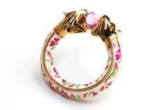 Fantastic collaboration between celebrated Indian jewelry designer, Amrapali, and Indian fashion designer Manish Arora.