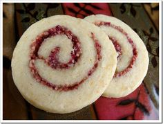 DAY Cranberry Orange Pinwheels Traditional flavors of Christmas, all swirled into a bite-sized cookie. Buttery orange dough swirled with chopped fresh cranberries and pecans. A delicious cookie… Italian Christmas Dinner, Italian Christmas Cookie Recipes, Italian Cookie Recipes, Christmas Baking, Italian Foods, Italian Cookies, Christmas Foods, Holiday Baking, Christmas Treats
