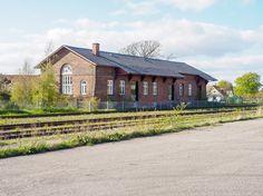 Pakhuset på Ribe station set fra sporside i retning mod Bramming