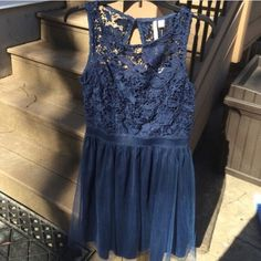 LC Lauren Conrad lace & tulle dress size XXL BNWT LC Lauren Conrad lace & tulle dress size XXL BNWT! Super comfortable and easy to wear all day! Is lined and does have stretch. ❌No Trades! Price firm unless bundled! LC Lauren Conrad Dresses Prom