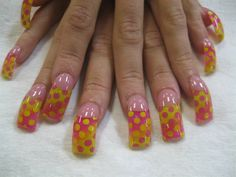 pink and yellow dots - Nail Art Gallery