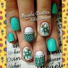 Unha diferente de Micaela Dantas. Different nail by Micaela Dantas. Uña diferente de Micaela Dantas. Unghie different di Micaela Dantas.