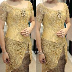 23 ideas dress brokat kuning for 2019 Vera Kebaya, Batik Kebaya, Batik Dress, Dress Brokat, Kebaya Dress, Kebaya Brokat, Model Kebaya Modern, Batik Fashion, Women's Fashion