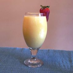 Pineapple coconut mango smoothie, a light and delicious taste of the tropics any time of year, 186 calories and 5 Weight Watchers Points Plus Detox Smoothie Recipe For Weight Loss, Weight Watcher Smoothies, Weight Watchers Snacks, Smoothie Prep, Juice Smoothie, Smoothie Drinks, Smoothie Recipes, Apple Smoothies, Healthy Smoothies