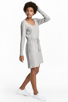 Nursing Dress in soft fine knit from H&M MAMA maternity line // affiliate link