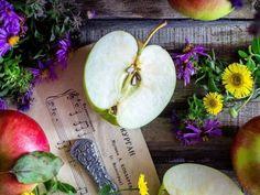 Házi arcpakolás: a legolcsóbb és legjobb ránctalanító megoldás! Pear, Onion, Apple, Fruit, Vegetables, Food, Apple Fruit, Onions, Essen