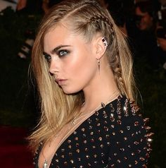 Cara Delevingne - I love this side braid!