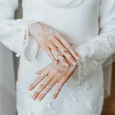 Easy Mehndi Designs, Wedding Henna Designs, Henna Tattoo Designs, White Henna Tattoo, Red Henna, Henna Tattoo Hand, Mehendi, Henna Mehndi, Tattoo Stickers