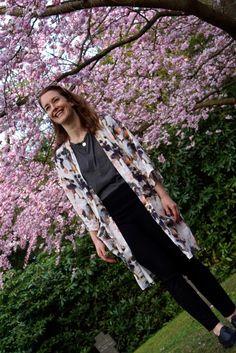 mbyM kimono, &Other Stories t-shirt, slacks H&M, shoes Tamaris, necklace Trine Tuxen & sunglasses AJ Morgan.
