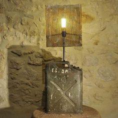 LAMPE CREATION JERRICAN USA VENDU AVEC ABAT JOUR FER PERFORÉ HAUTEUR 98 CM 89,90 EUROS EN VENTE SUR http://www.alittlemarket.com/luminaires/fr_lampe_luminaire_creation_jerrican_armee_usa_deco_loft_industriel_-11883177.html