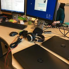 #Sign that you are super #important at #work? Two screens AND two #laptops.