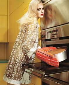 Title: Home Works Magazine: Vogue Italia March 2008 Model: Caroline Trentini Photographer: Miles Aldridge Stylist: Cathy Kasterine Fashion Shoot, Fashion Week, Diy Fashion, Editorial Fashion, Trendy Fashion, Fashion Beauty, Fashion Tips, Vogue Beauty, 2000s Fashion