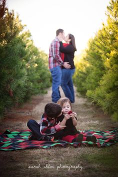 Christmas Tree Farm Family Photo by sarahchloephotography.com
