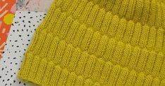 T ein talven loppuun vielä yhden pipan, kun löysin Neulemallien käsikirjasta yksinkertaisen hienon mallineuleen. Pidensin kirjassa oleva... Knitted Hats, Knitting, Tutorials, Fashion, Moda, Tricot, Fashion Styles, Breien, Stricken