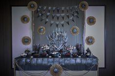 Mesa de chuches inspirada en la serie Juego de Tronos. https://celebralobonito.wordpress.com/2014/09/28/boda-juego-tronos/