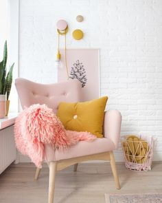 Everyone has it - a very personal favorite place in their own apartment, . - Trends We Love ♥ Interior Decoration Bedroom, Cute Room Decor, Apartment Living, Home And Living, Living Room Bedroom, Living Room Decor, Pastel Home Decor, New Room, Sweet Home