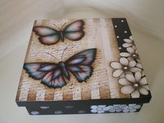 caixa com decoupagem Decoupage Box, Decoupage Vintage, Diy And Crafts, Arts And Crafts, Paper Crafts, Tole Painting, Painting On Wood, Altered Cigar Boxes, Painted Wooden Boxes