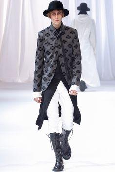 Ann Demeulemeester Fall 2013 Menswear Collection Photos - Vogue
