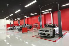 The Nismo garage.some fabulous vehicles ready for you! Garage Shop, Garage House, Diy Garage, Dream Garage, Garage Storage, Mechanic Shop, Mechanic Garage, Automotive Shops, Office Waiting Rooms