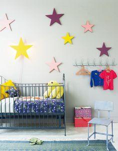 Maak zelf deze prachtige sterrenhemel #kinderkamer | DIY starry sky for the #kidsroom via www.101woonideeen.nl