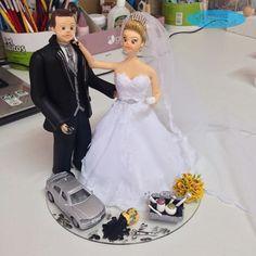 Personalizando as profissões nos noivinhos 😍 #esteticista #mecânico Orçamentos: caraarteembiscuit@yahoo.com.br ou se preferir envie uma mensagem inbox na página https://facebook.com/caraarteembiscuit #noivinhoscaraarteembiscuit #noivinhosesteticista #noivinhosmecânico #noivinhosprofissões #noiva #noivas #wedding #topodebolo #topodebolocasamento #topodebolodiferente #casamento #noivos #vestidodenoiva #buqueamarelo #astra #noivinhospersonalizados