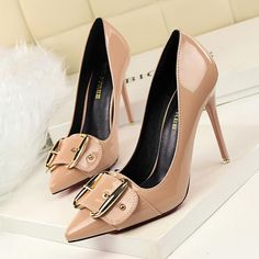 Belt Buckle Pointed Toe Pumps