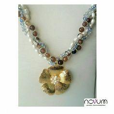 Set de collar y aretes en ágatas, cristales y perlas de agua  Pp $90.000