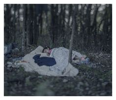 Imagem de Magnus Wennman/Rex  Lamar, 5, dormindo no chão em Horgos, Servia