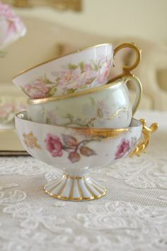 Beautiful Collection of 3 Vintage Teacups No Saucers by Jenneliserose