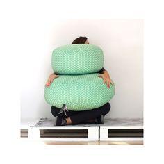 Pouf redondo de algodón estampado. Color verde jade
