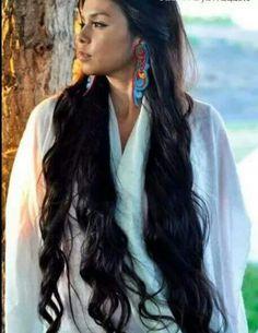 Ka'yx Wawkikuk: American Model, wearing original jewelry art created by American Artist Latonia Andy. Native American Models, Native American Pictures, Native American Beauty, Native American History, Native American Jewelry, Native American Costumes, American Indian Girl, American Indians, American Symbols