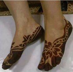This is the best Libyan henna Henna Art Designs, Bridal Henna Designs, Unique Mehndi Designs, Beautiful Henna Designs, Leg Henna, Foot Henna, Henna Mehndi, Mehendi, Henna Pictures