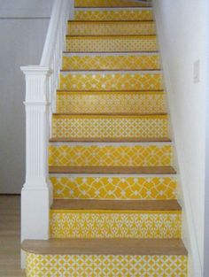 Stencil/staircase/yay...nice way to chipper up a basement stair.