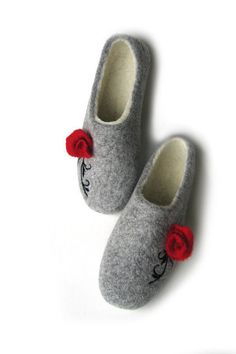 3f12f97a64a56 57 Best Felt slippers images | Felt slippers, Womens slippers, Clog ...