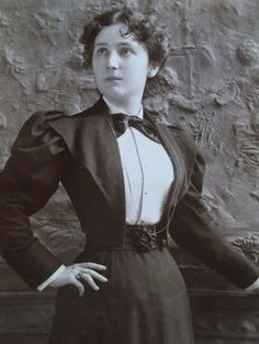 Antique Cabinet Photo-Lady,Stage Actress,Fashion,Carve Wall-ID'd Blanch Walsh-NY