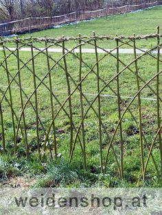 Die 41 Besten Bilder Von Flechtzaun In 2019 Garden Fencing Fence
