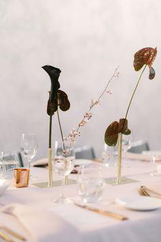 41 Ideas Wedding Reception Decorations Table Simple Vases For 2019 Wedding Table Centerpieces, Wedding Flower Arrangements, Floral Centerpieces, Reception Decorations, Modern Floral Arrangements, Quinceanera Centerpieces, Floral Wedding, Wedding Flowers, Diy Wedding