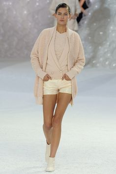 Chanel, Spring 2012 ready-to-wear, I would totally rock this!