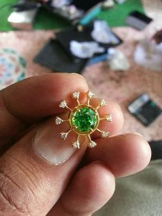 Gold Earrings Designs, Gold Jewellery Design, Necklace Designs, Gold Jewelry, Jewelery, Gold Designs, Indian Wedding Jewelry, Indian Jewelry, Latest Jewellery