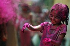 They're returning fire! A stream of water hits a girl in the head as she throws colored powder during Holi celebrations in Chennai, India. Holi, the Hindu festival of colors, also heralds the coming of spring. Holi Colors, Holi Festival Of Colours, Holi Celebration, Festival Celebration, Hindu Festivals, Indian Festivals, Happy Holi, Chennai, Belle Photo